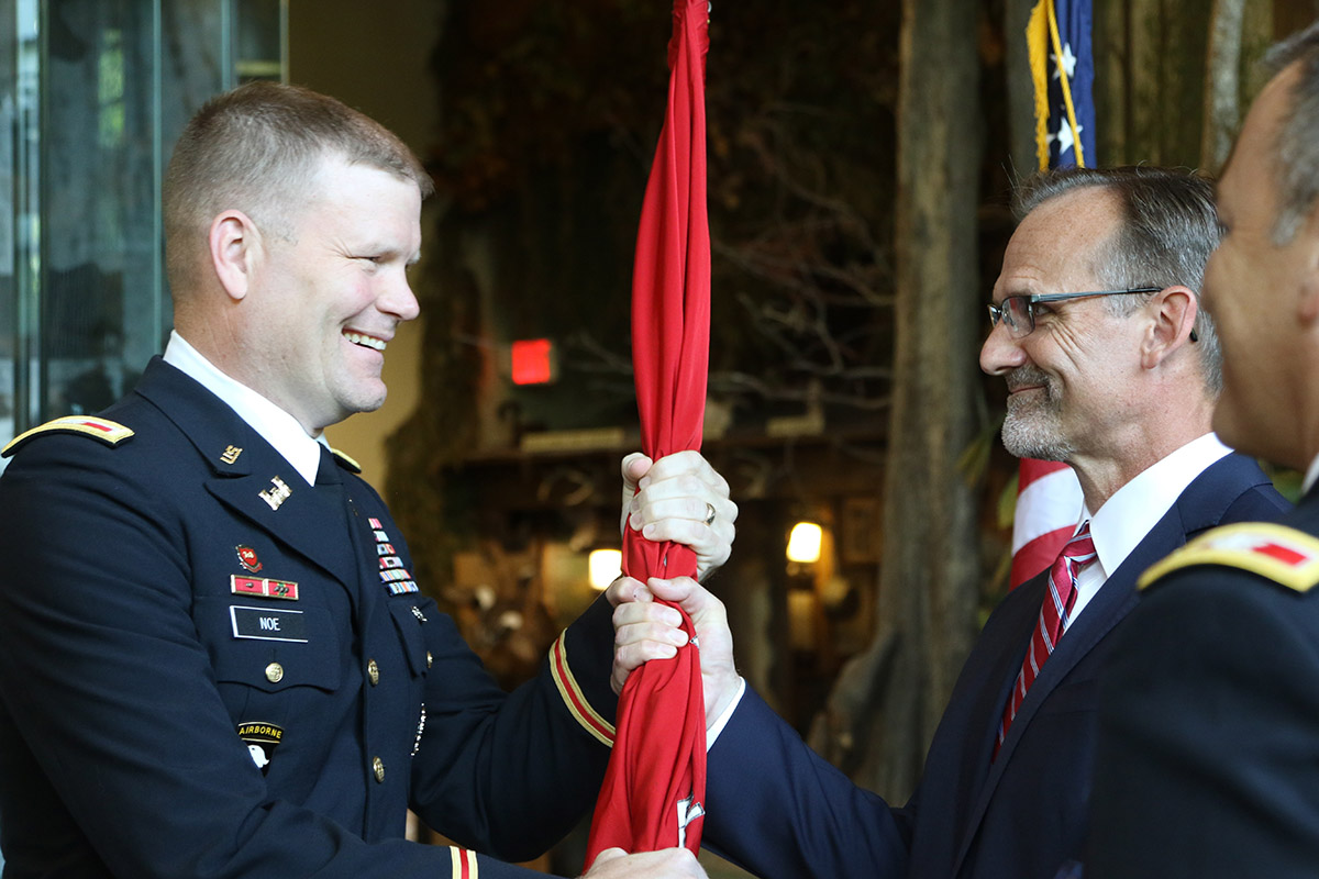 Noe assumes command of Corps' Little Rock district